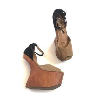 Jeffrey Campbell Str8up platform heel-less Sandal